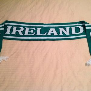 Carrolls Irish Scarf in EUC